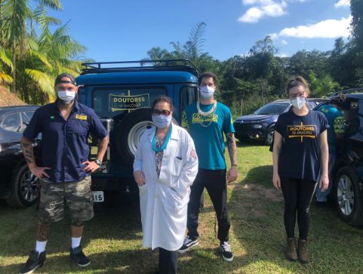 Associação Doutores da Amazônia na aldeia do Rio Silveiras, em São Sebastião
